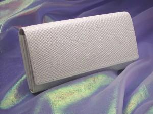 h白蛇の長財布