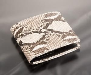 おすすめのダイアモンドパイソン二つ折れ財布